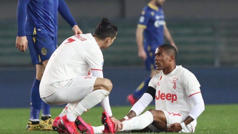 Tegola Douglas Costa, la Juventus ha una speranza