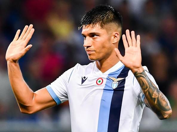 Lazio, offerte dalla Premier League per Correa: Tare lavora al primo rinforzo. Le ultime
