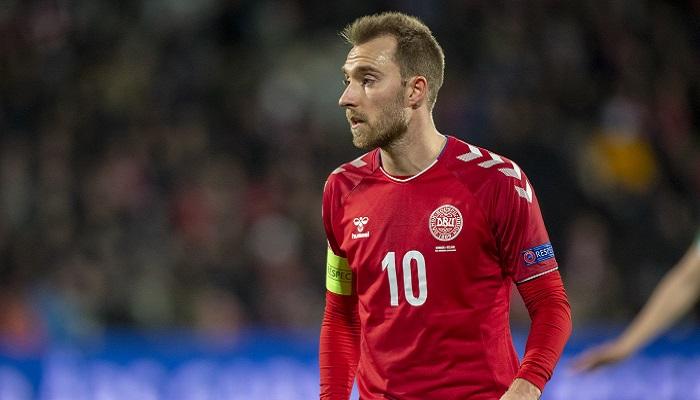Danimarca-Finlandia, dramma Eriksen: il giocatore è sveglio